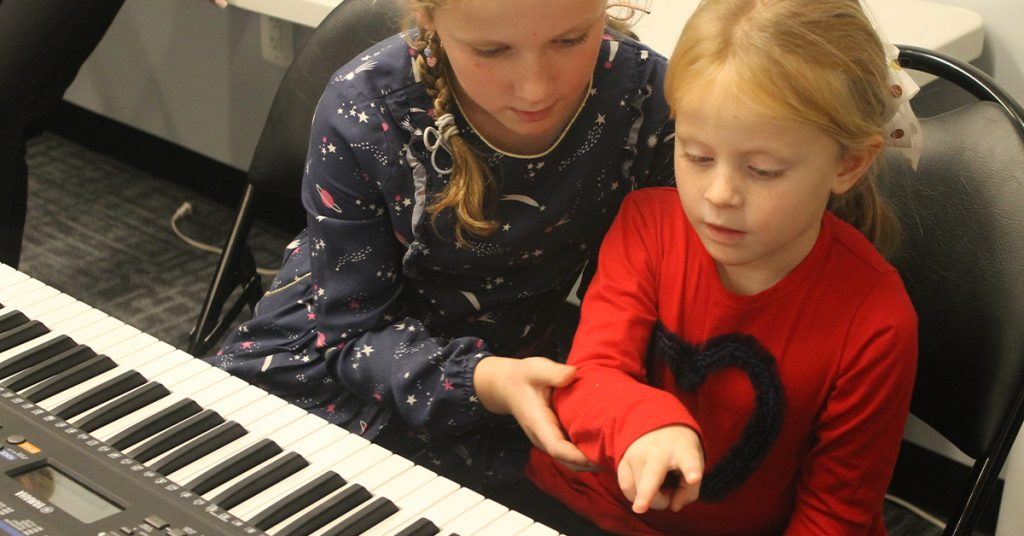 Fall: Beginner Group Piano